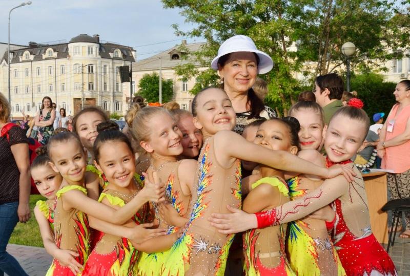 19 мая воспитанницы СШОР им. Л.А. Тихомировой приняли участие в ежегодном проекте «Волжская палитра»
