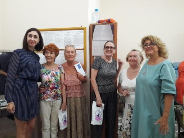В школе СШОР им. Л.А. Тихомировой коллектив поздравил своих ветеранов